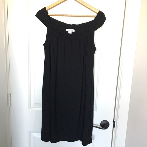White House Black Market Dresses & Skirts - White House Black Market size M dress with pockets